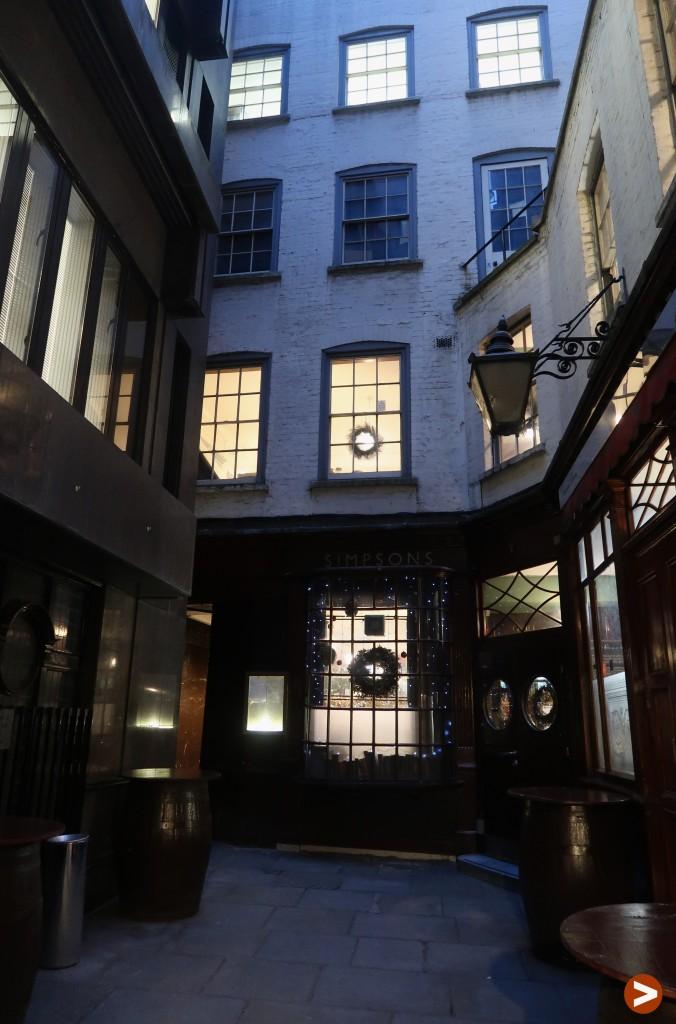 London's oldest restaurants - Simpsons Tavern